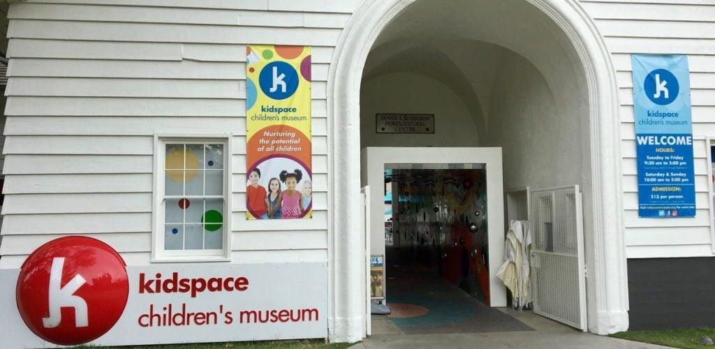 Weasel at Kidspace